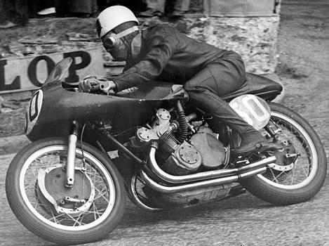 Olahraga balap motor terkeren dan menegangkan di dunia